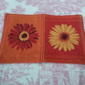 Vintage Daisy Tapestry Placemat Orange 18 x 11.5